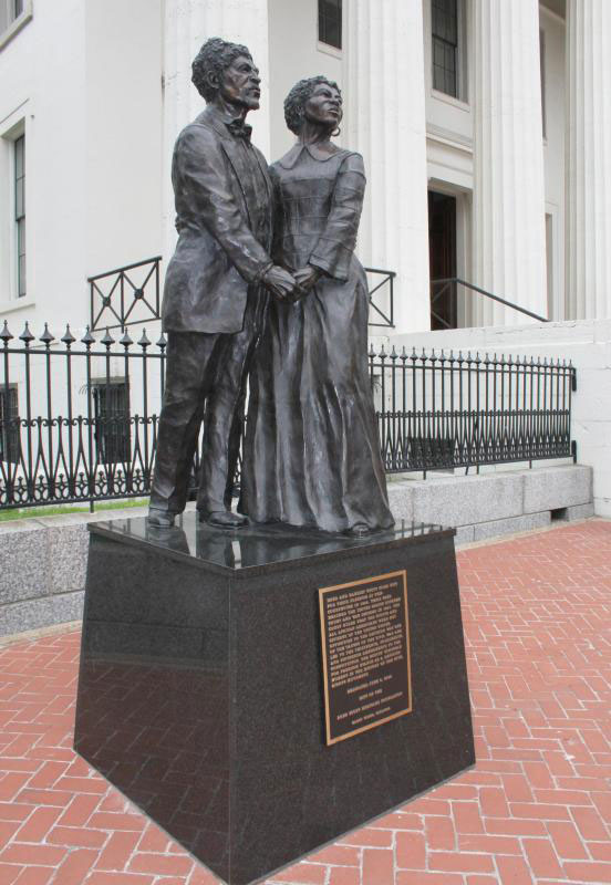 Statue of Dred Scott and His Wife Harriet